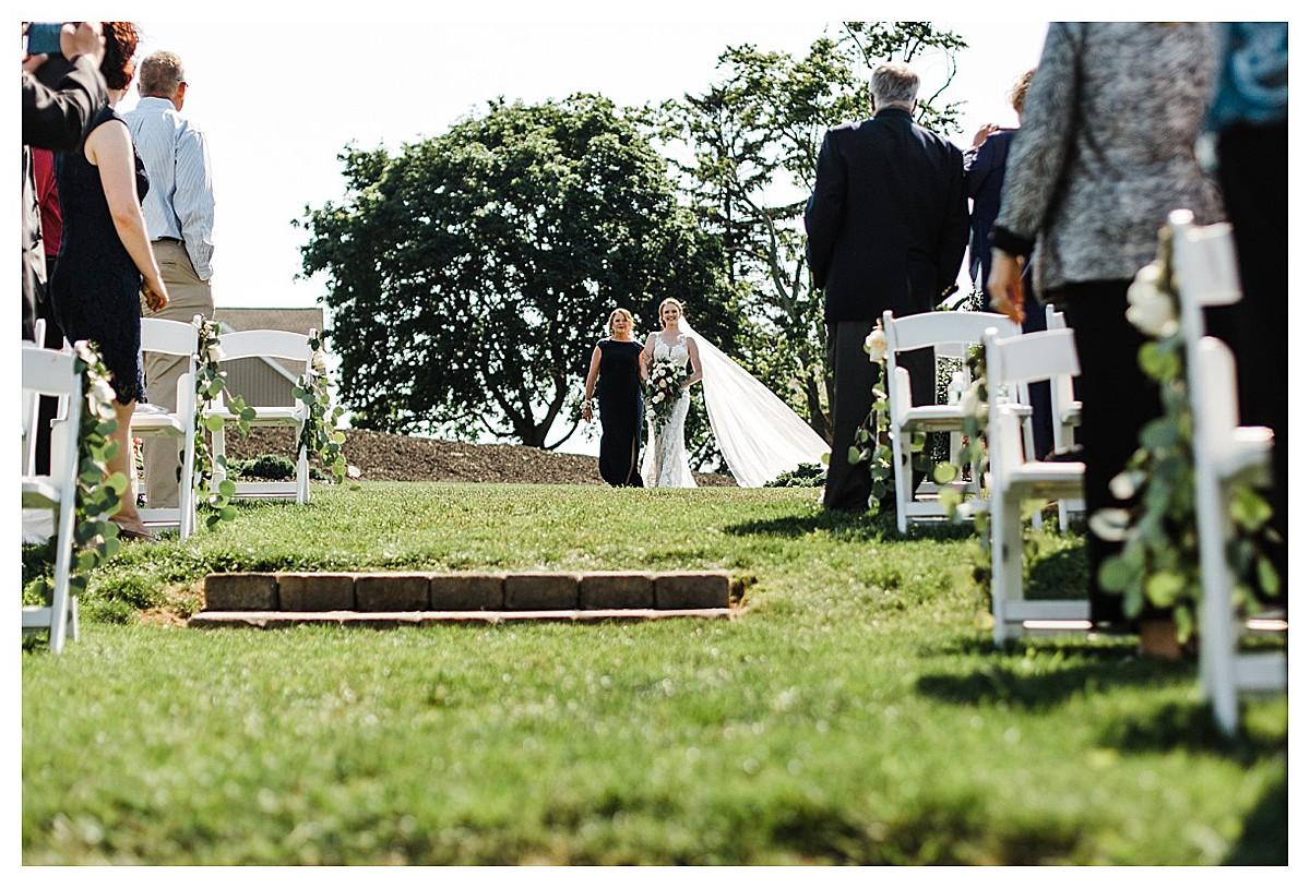 York_pa_Wyndridge_Farms_Wedding_erinelainephotography_0940.jpg