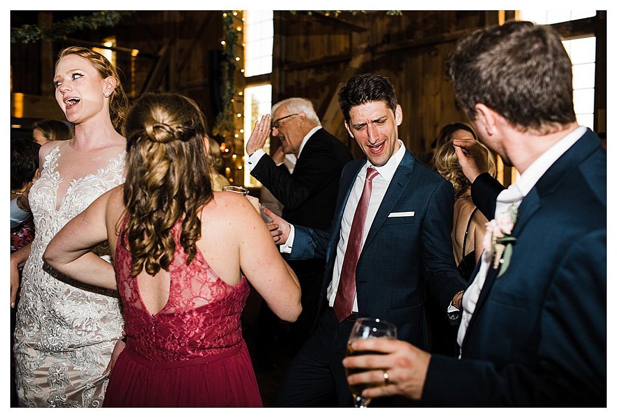 York_pa_Wyndridge_Farms_Wedding_erinelainephotography_1010.jpg