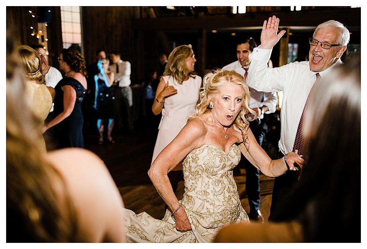 York_pa_Wyndridge_Farms_Wedding_erinelainephotography_1031.jpg