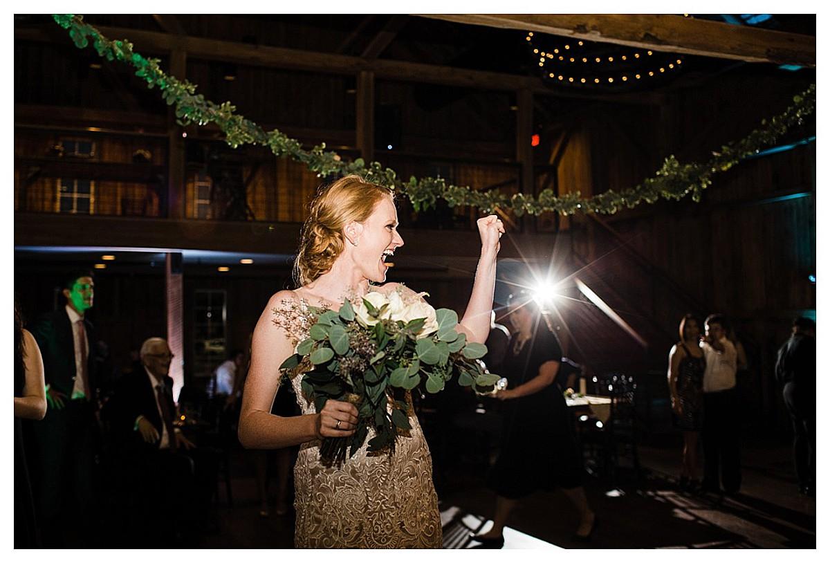 York_pa_Wyndridge_Farms_Wedding_erinelainephotography_1040.jpg