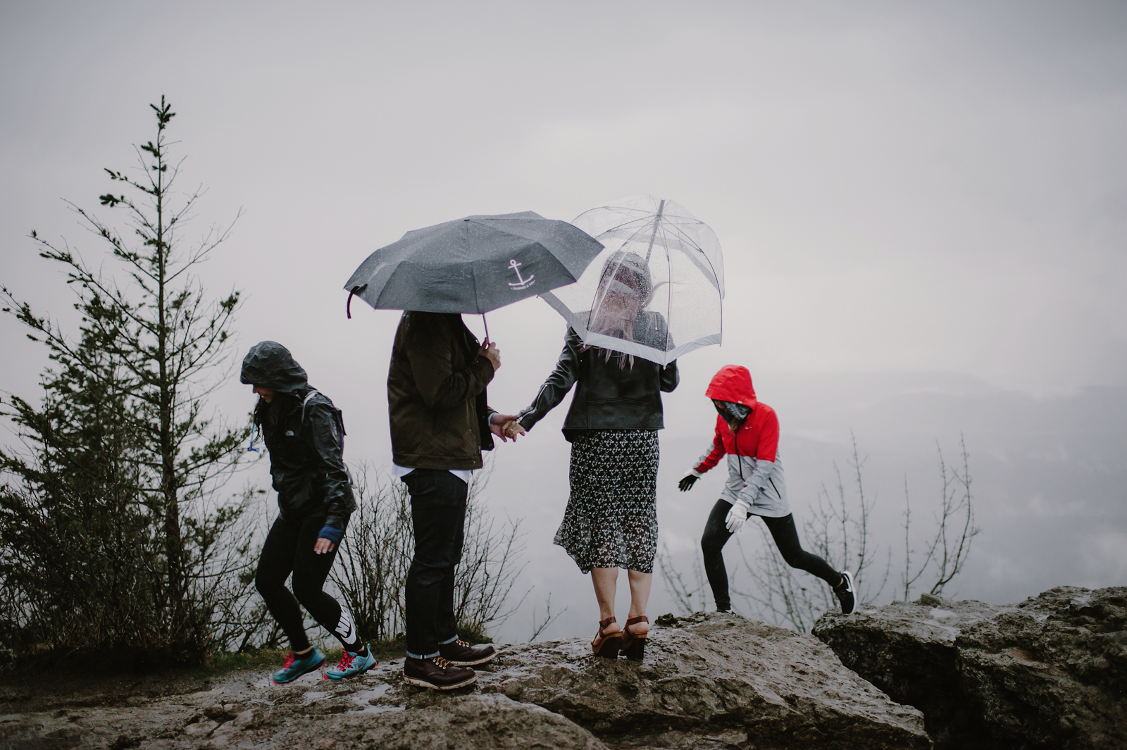 rainy_rattlesnake_ledge_engagement_kristenmarieparker-16.jpg