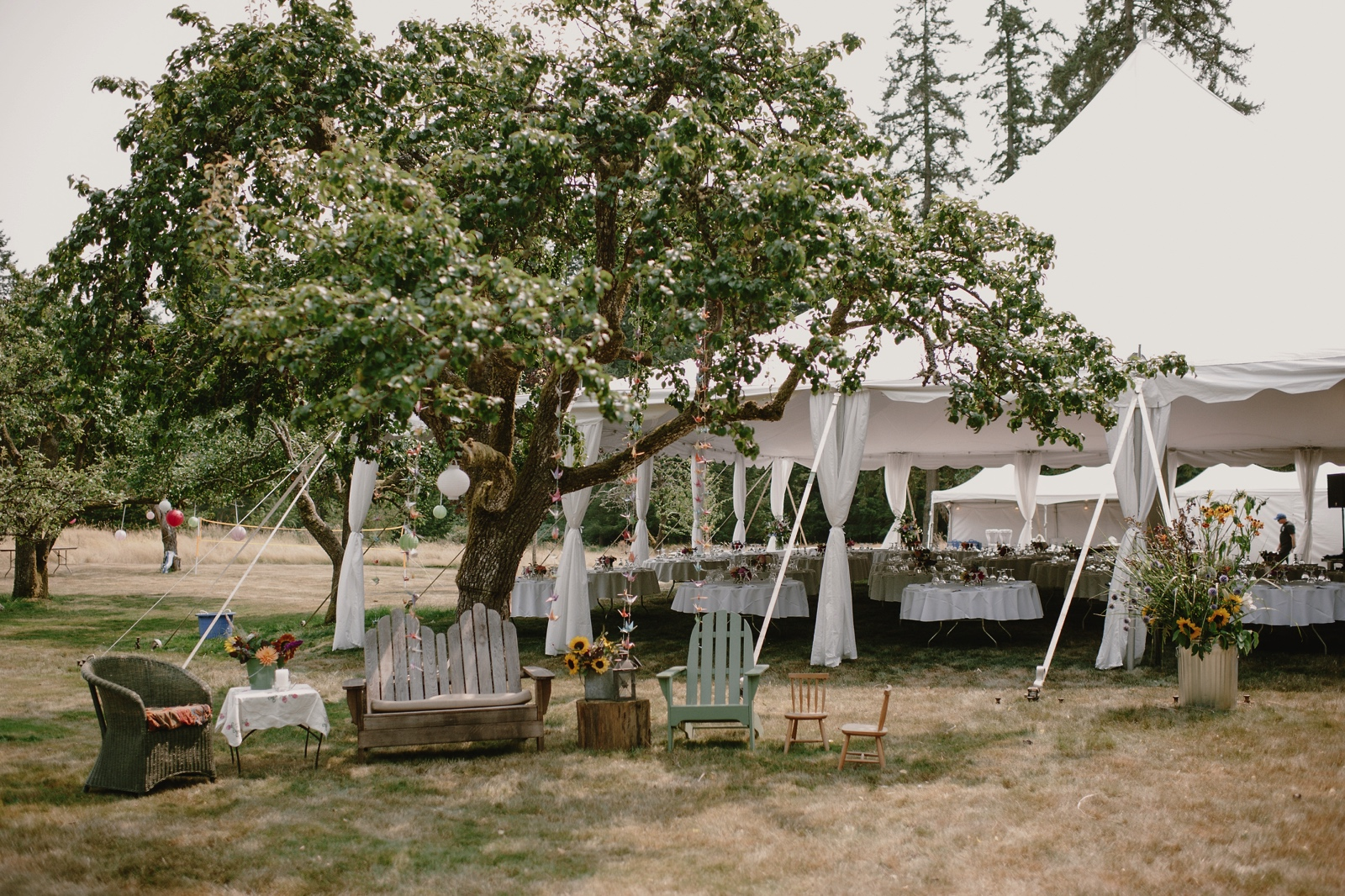 Backyard_Vashon_Island_Wedding_Kristen_Marie_Parker006.JPG
