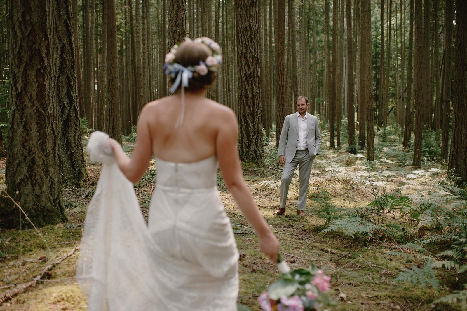 Backyard_Vashon_Island_Wedding_Kristen_Marie_Parker027.JPG