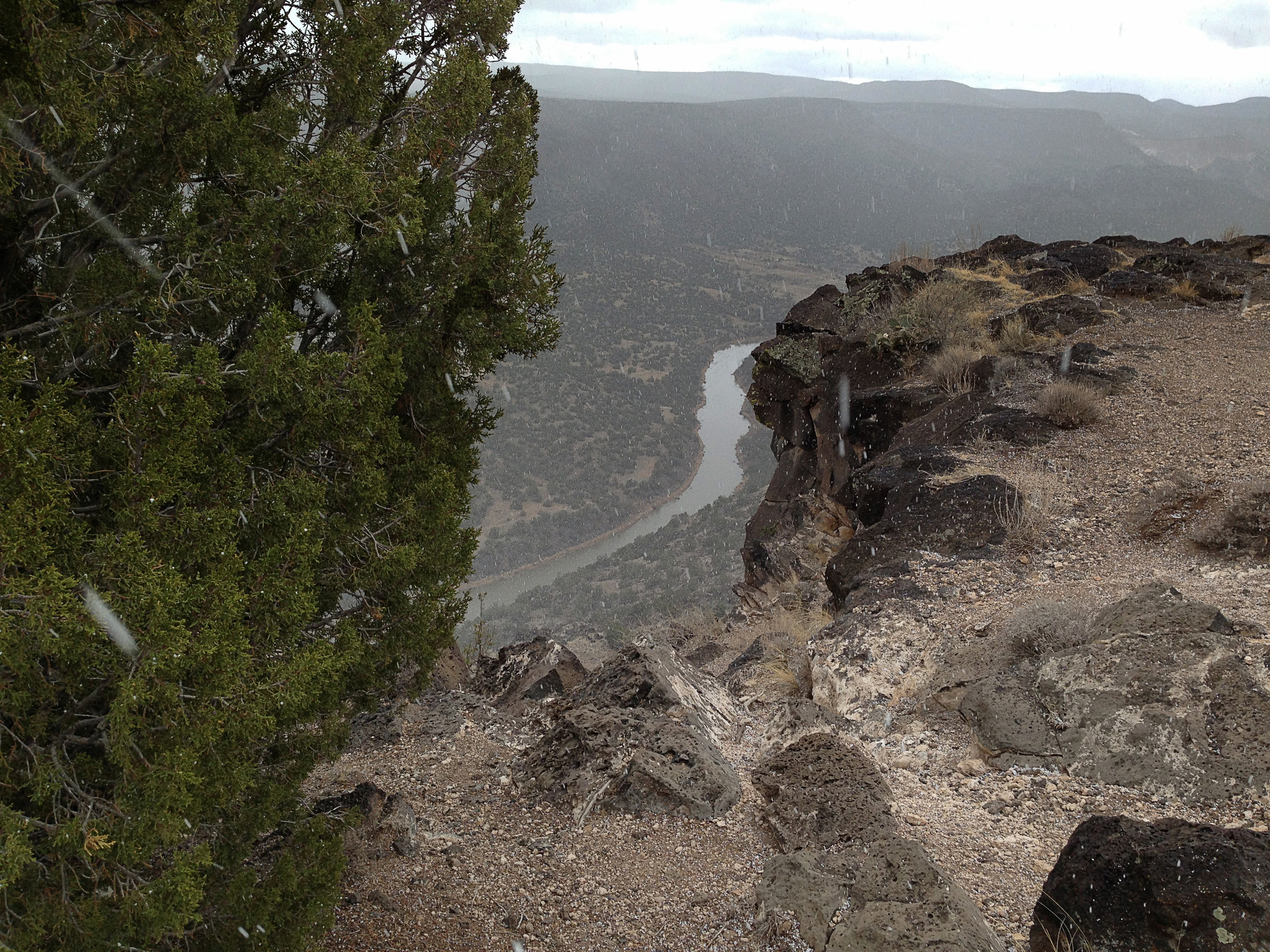 Snowing at the Rio Grande Lookout