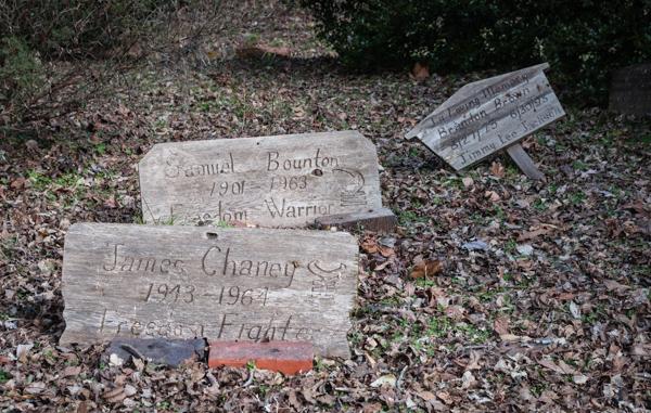 Chaney Memorial_5432.jpg