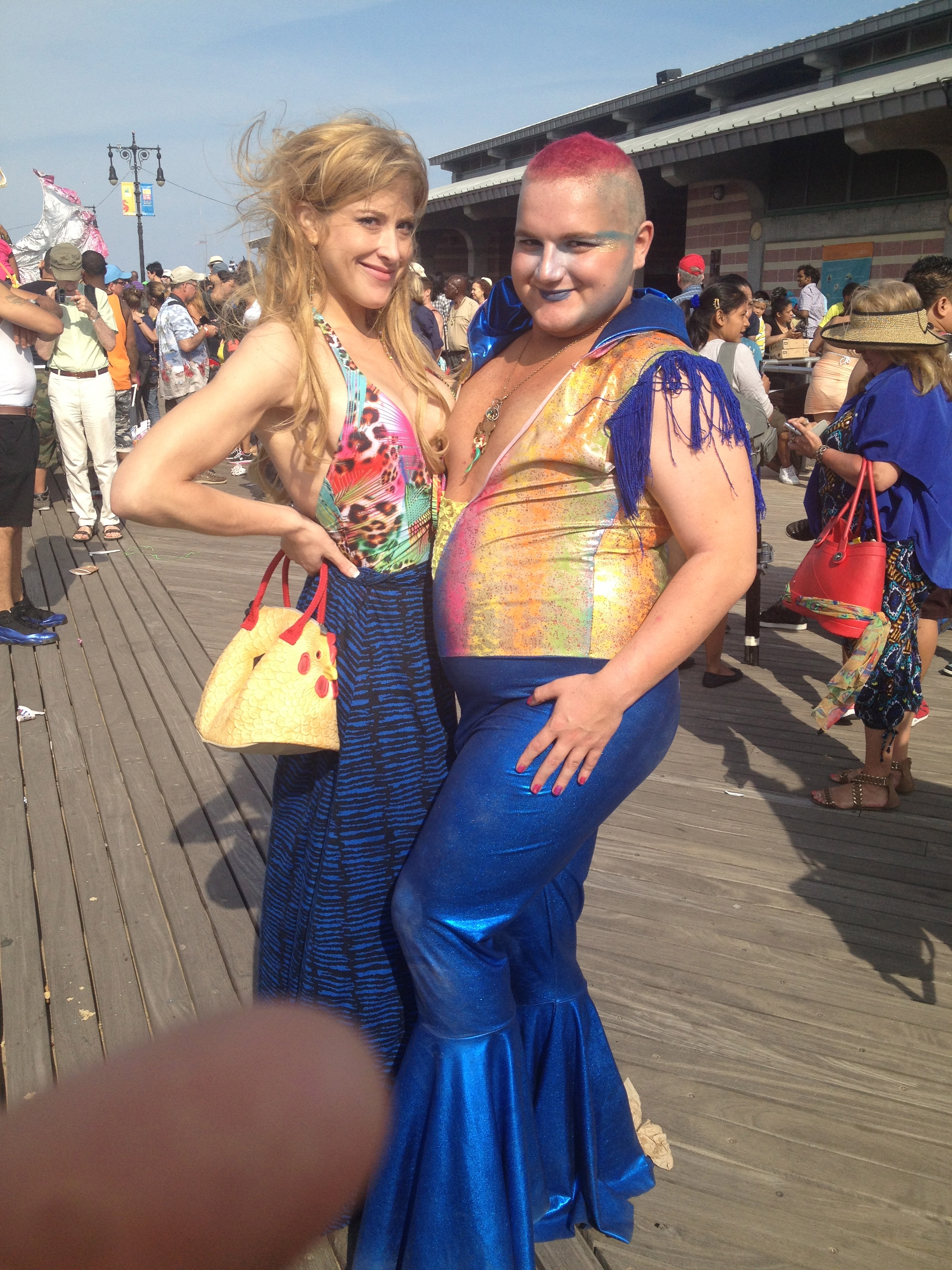 How humorous. I bumped into another Mermaid who happened to be wearing the same outfit.