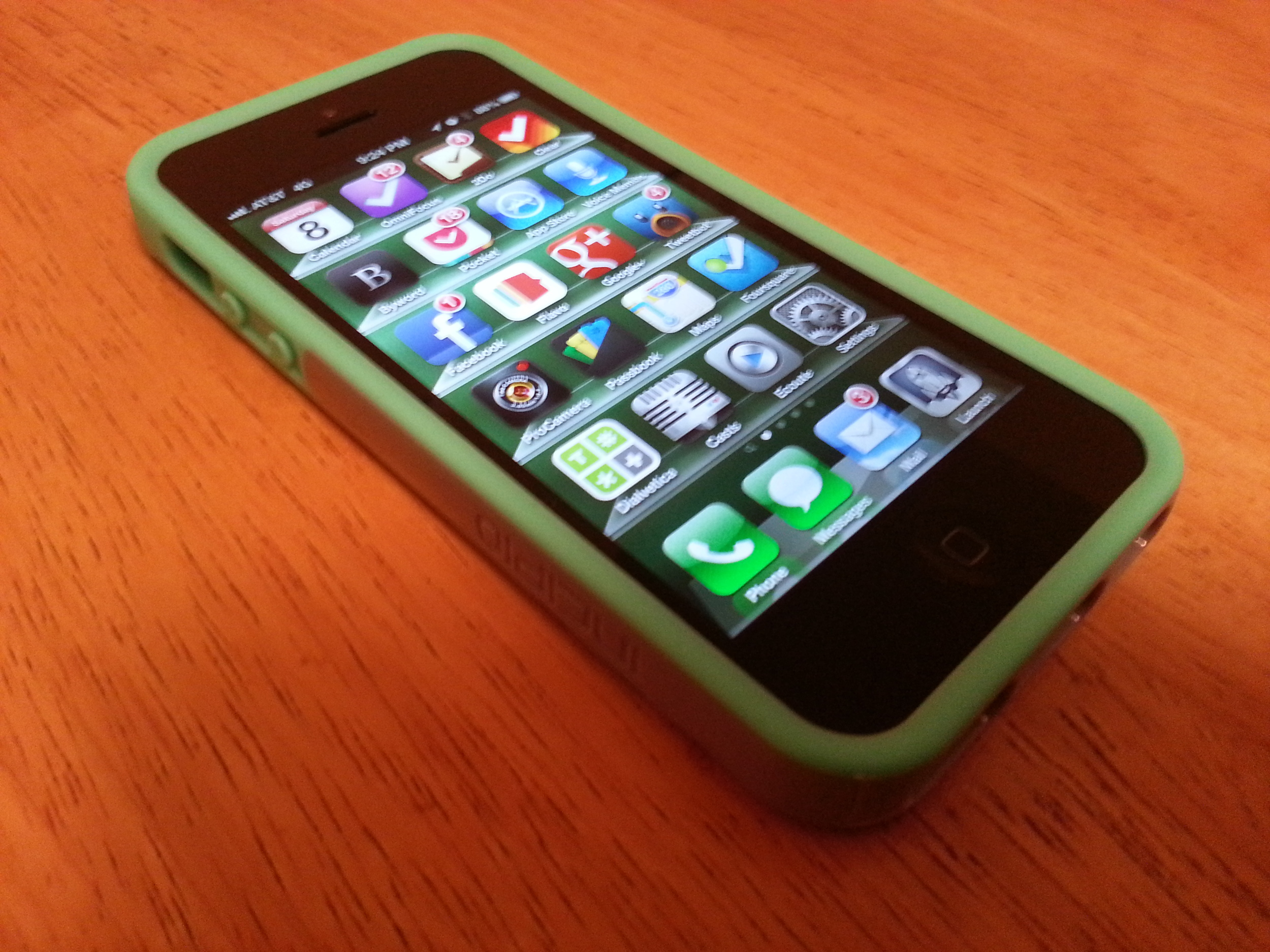The iPhonaddict Reviews the Incipio Faxion for the iPhone 5