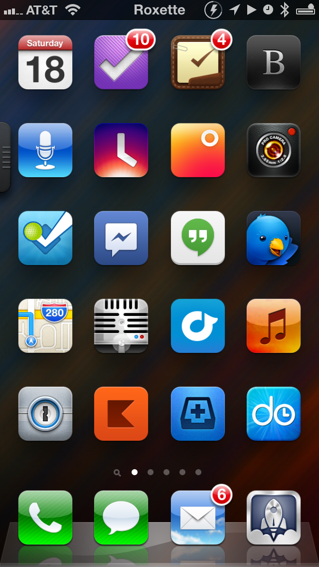 Now Playing Status Bar: This tweak displays the current song and artist on your status bar.