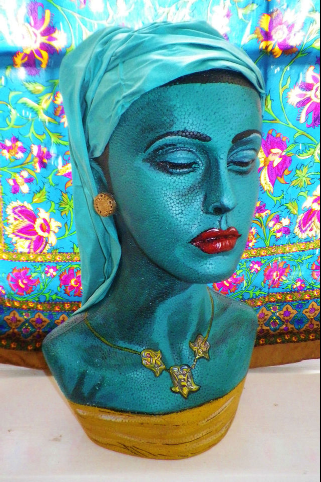 Sculptures of Tretchikoff's Green Ladies