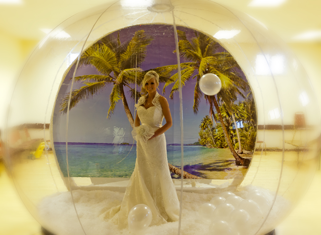 Giant Inflatable Snow Globes as part of Your Big Day? Come Along to This Sunday's Quirky Wedding Fair