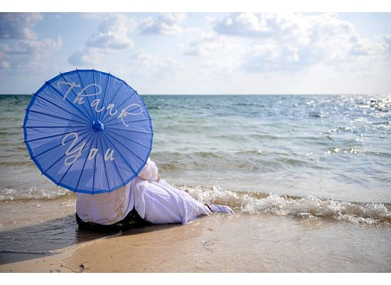 Hand-painted Parasols for Beautiful Weddings