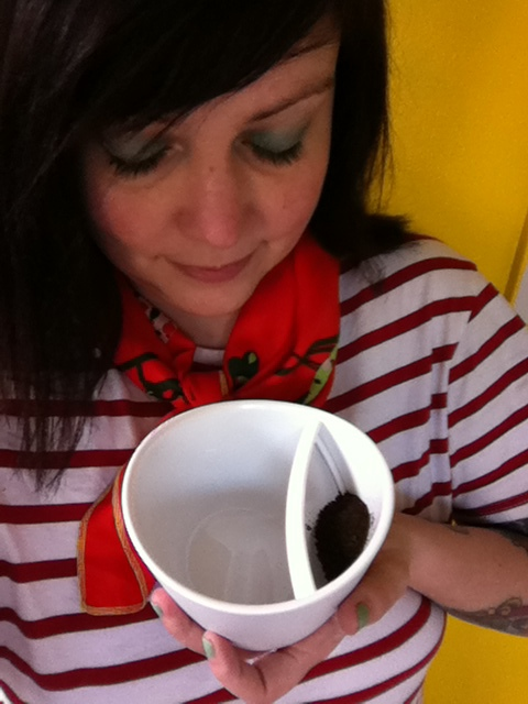 The Magical Magisso Tea-Cup