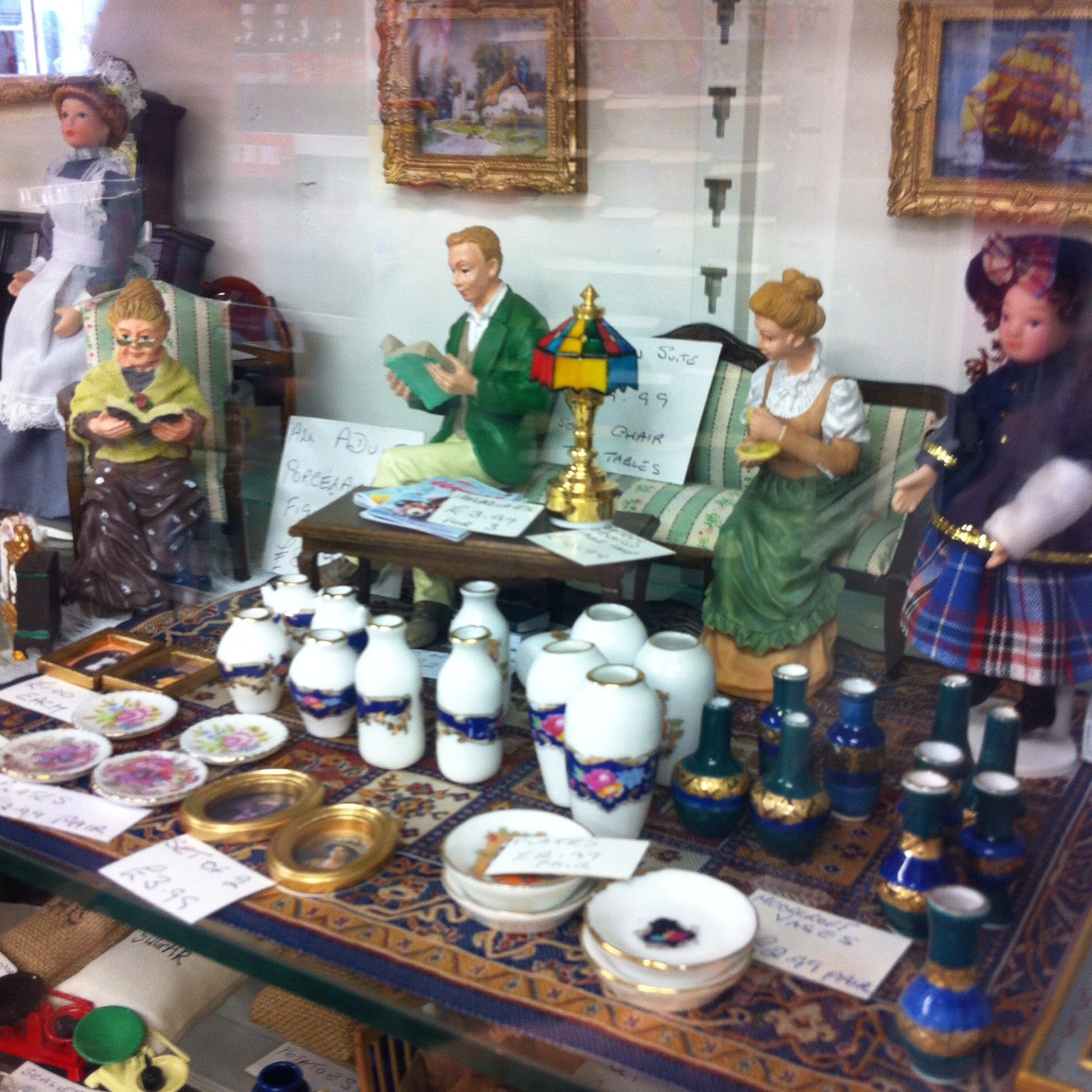 Doll's house accessories in Bon Bon's