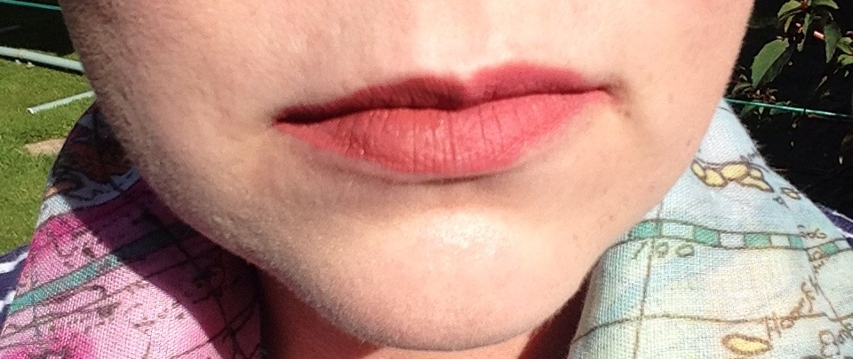 ColourPop liquid lip Bumble : 17 Looking Buff