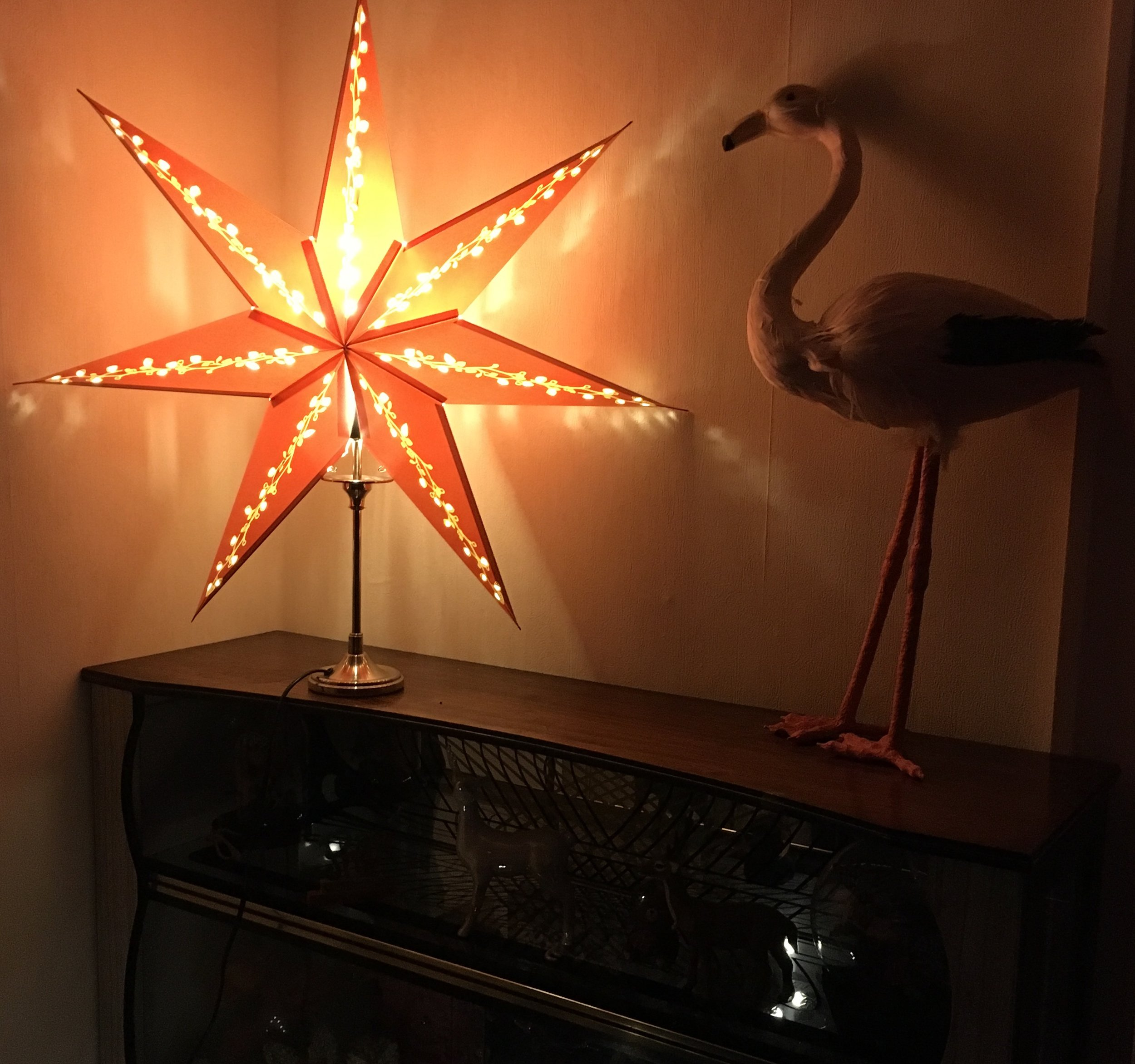 STRALA red star on table lamp