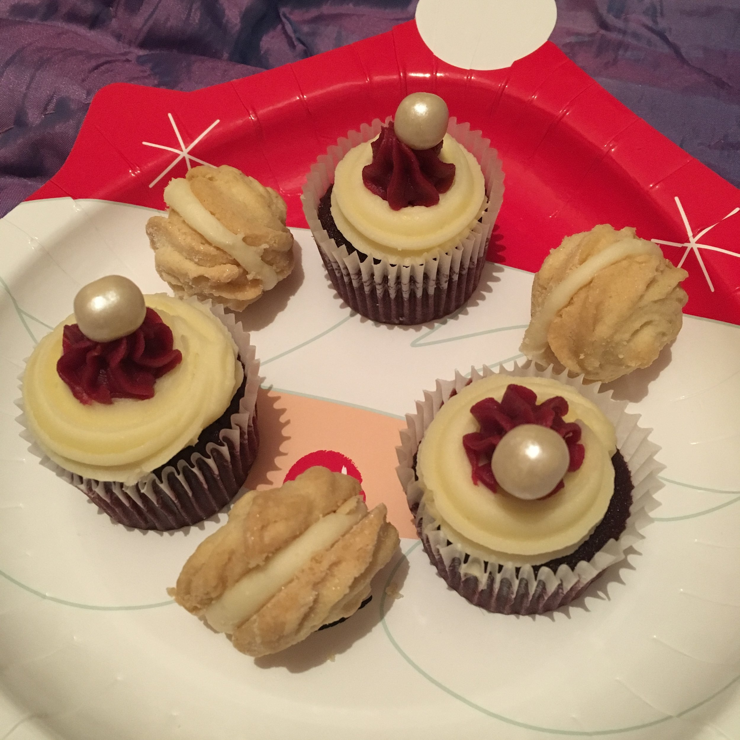 Red velvet cupcakes and Prosecco whirls