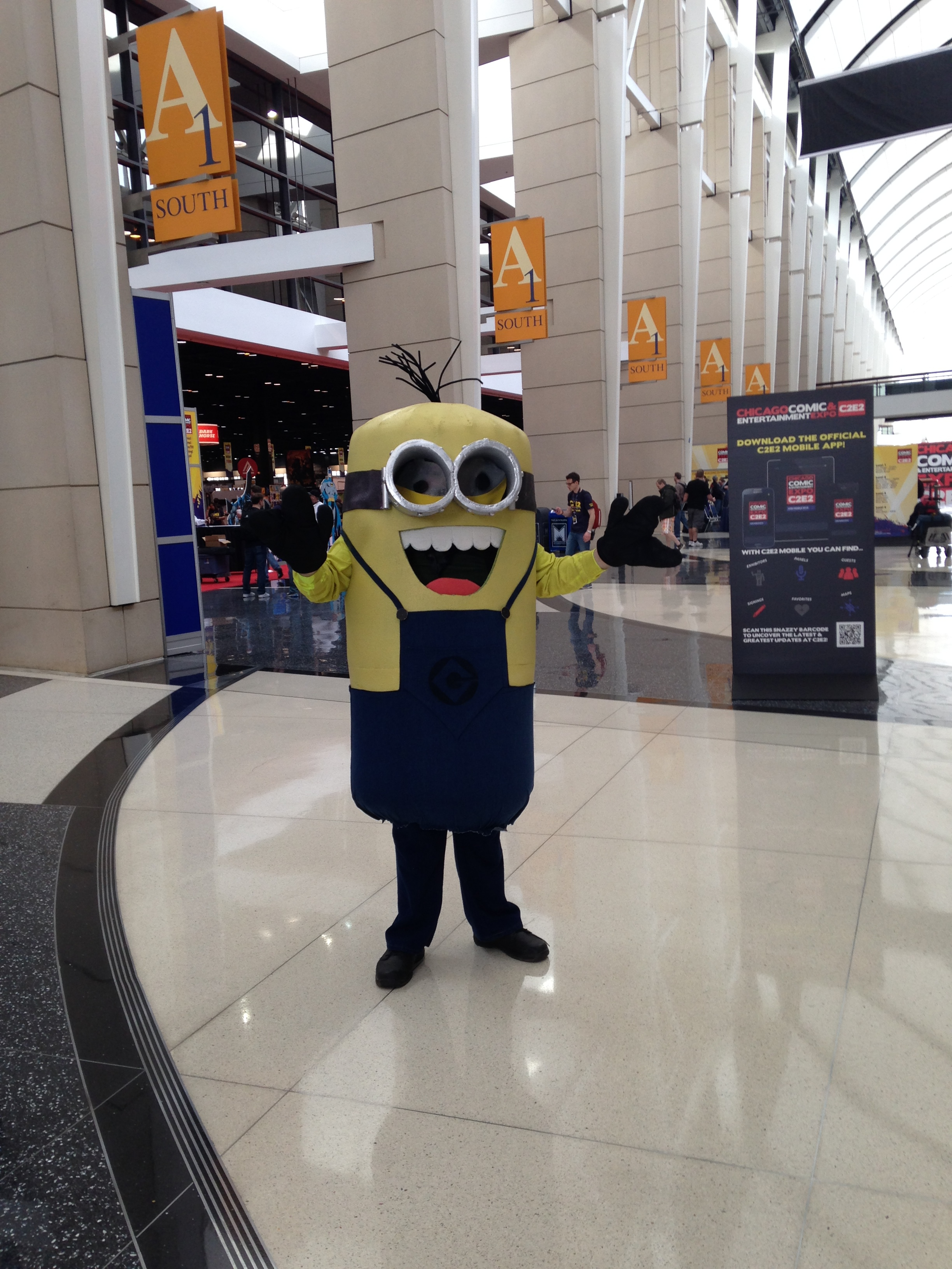 C2E2 Cosplayer - Despicable Me Minon