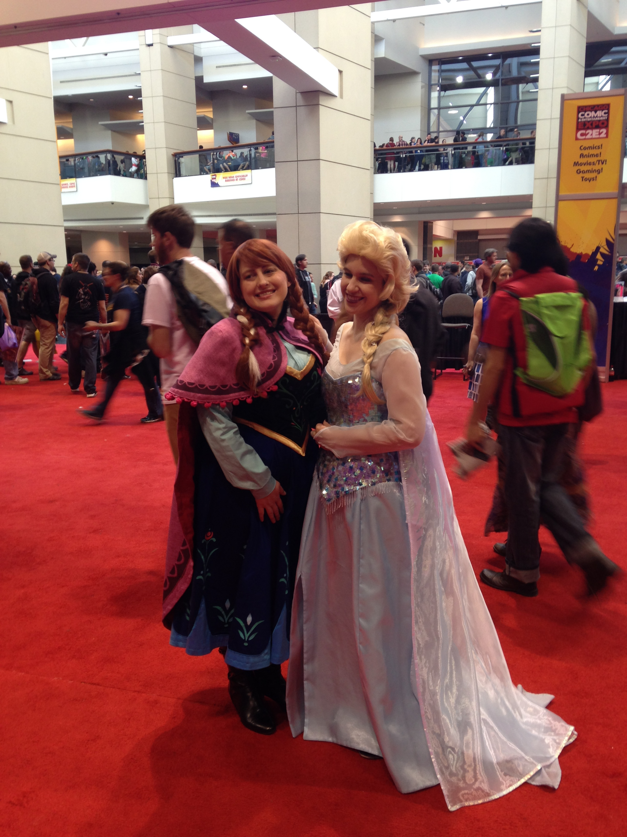 C2E2 Cosplayer - Anna and Elsa from Frozen