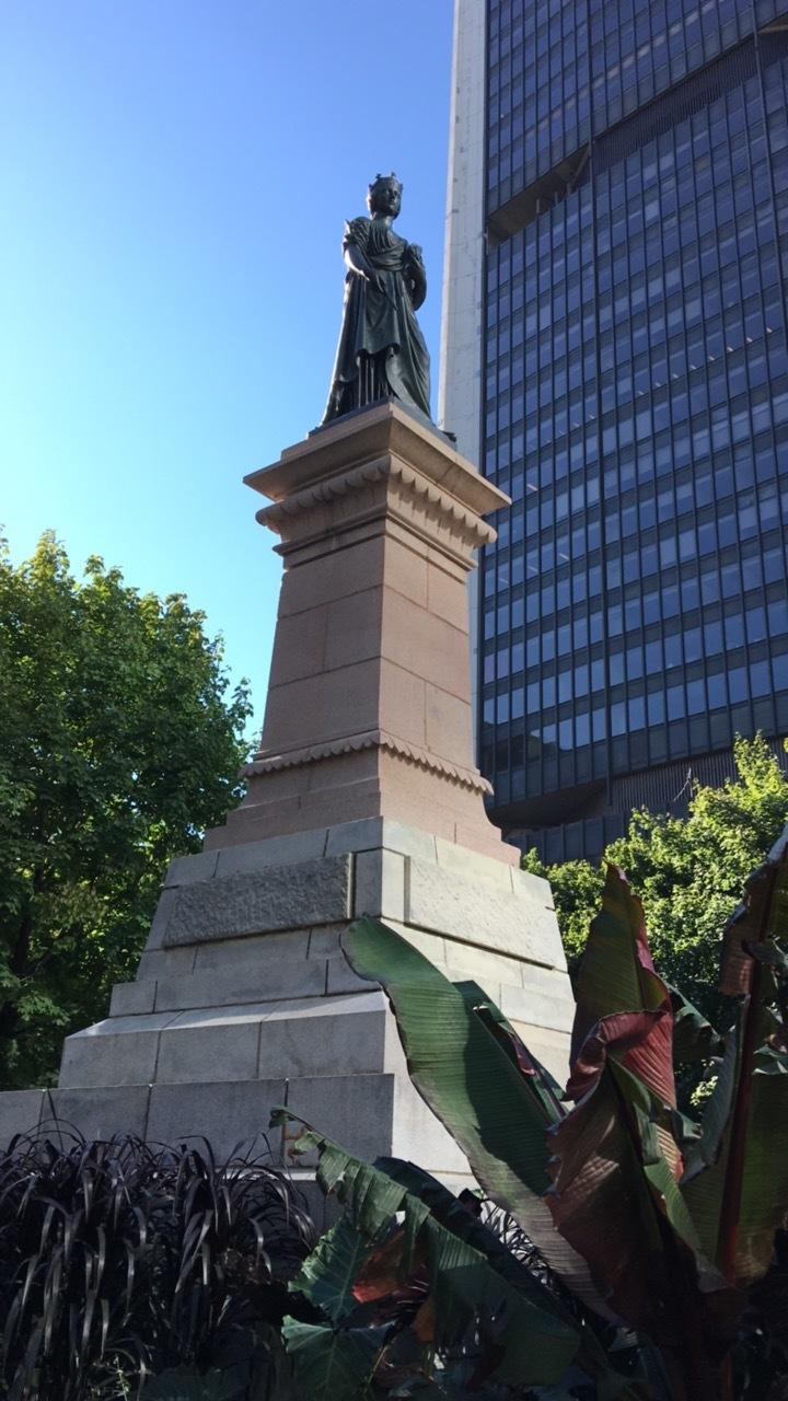 Square Victoria Monument