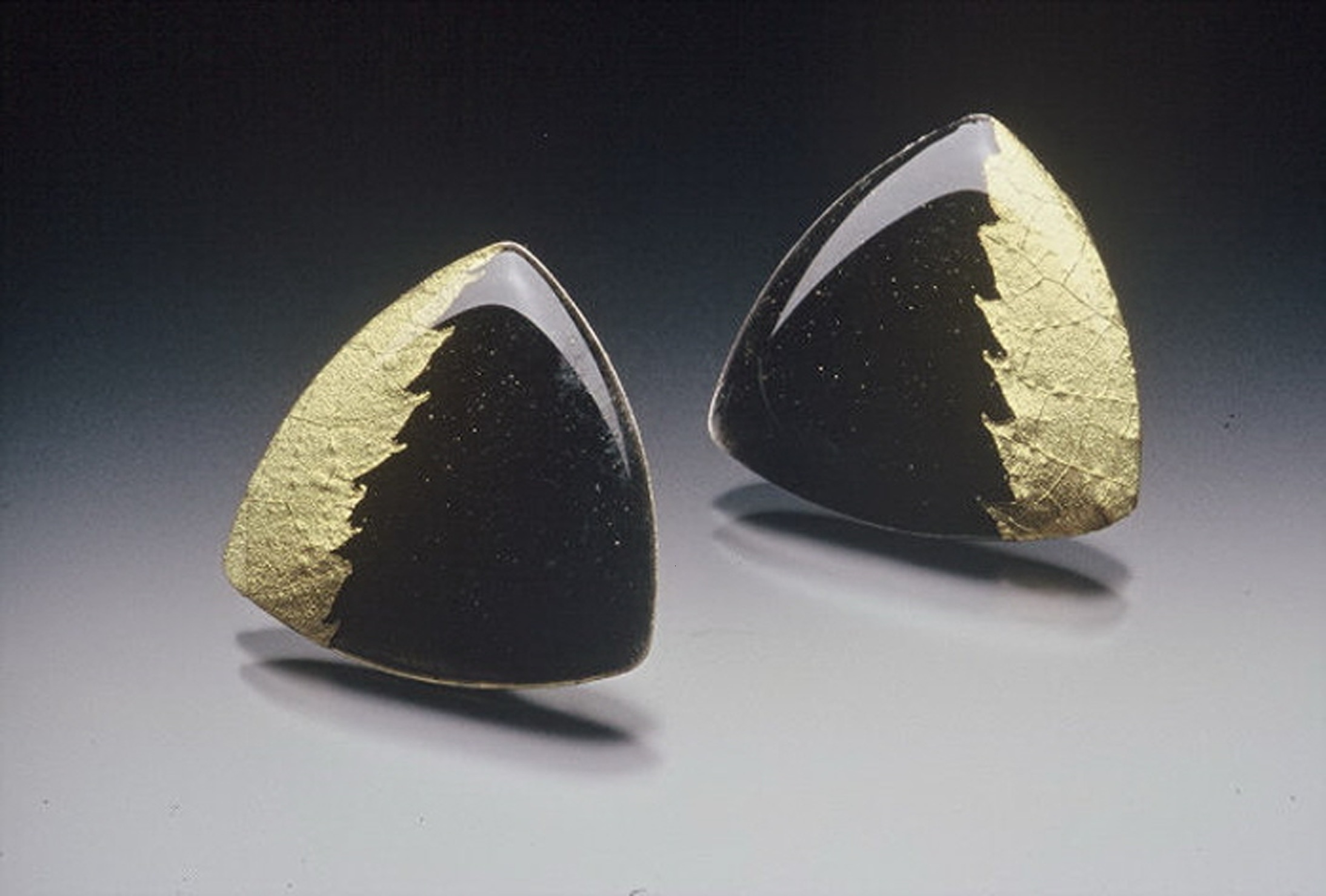ebonygold ear.-2.jpg