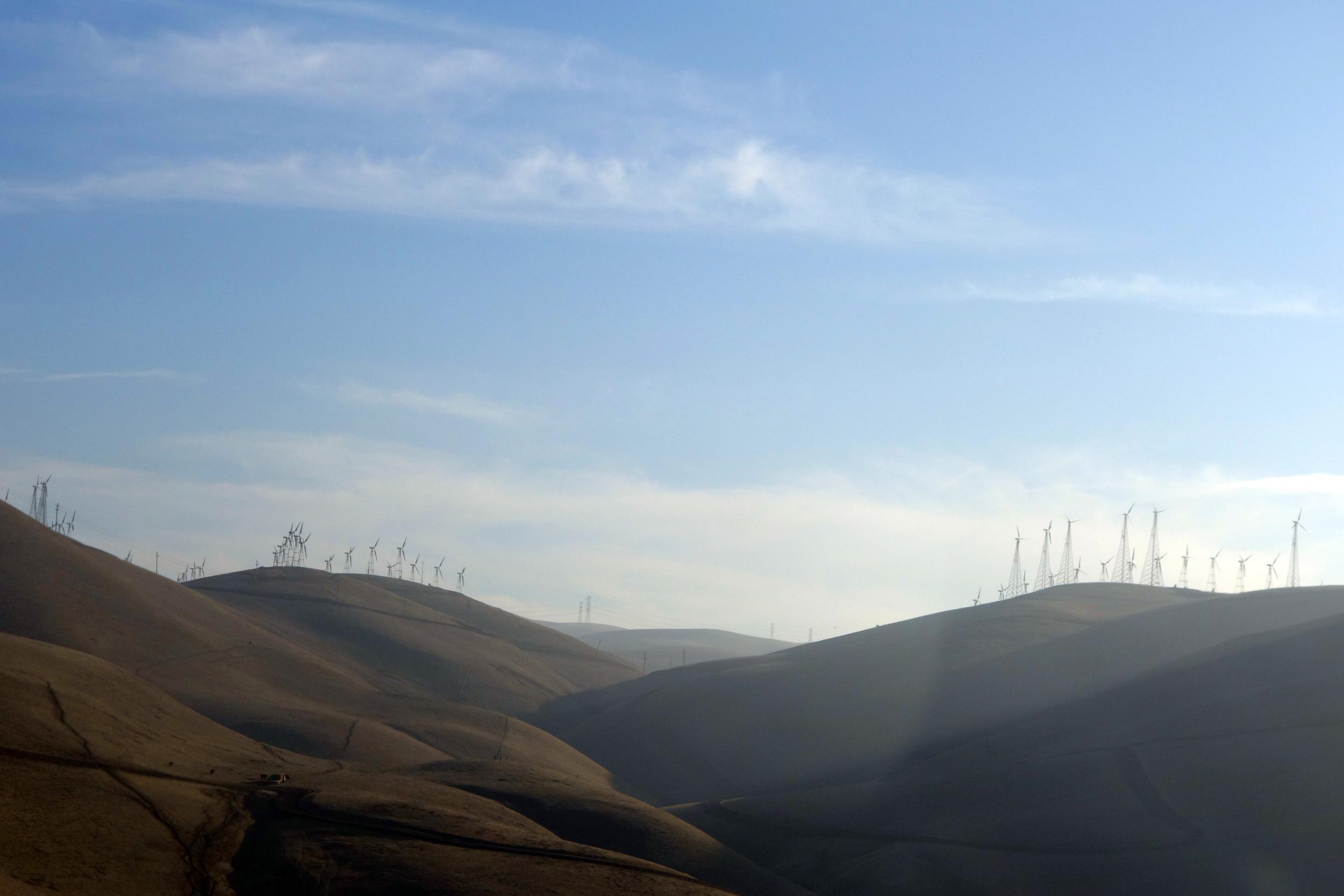 DSC00814 Windmills on the Hills.JPG
