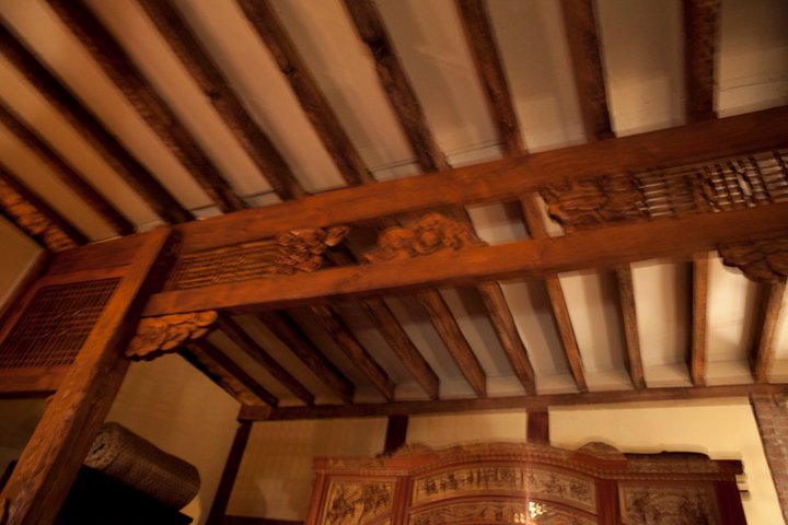 erry Pomponino designed his house and built it by hand, including the beams, carvings on the post and the lintel structure shown here during our june 2011 gathering!