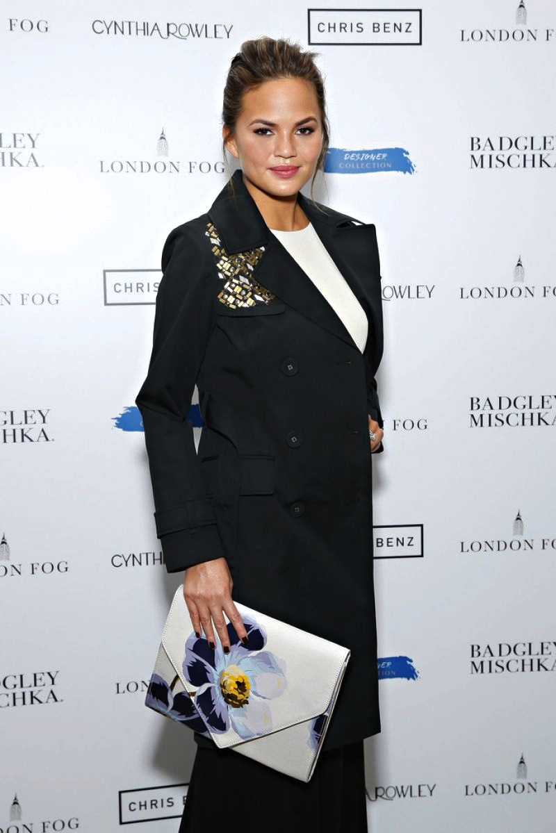 chrissy-teigen-at-london-fog-designer-collection-celebration-in-new-york_16.jpg