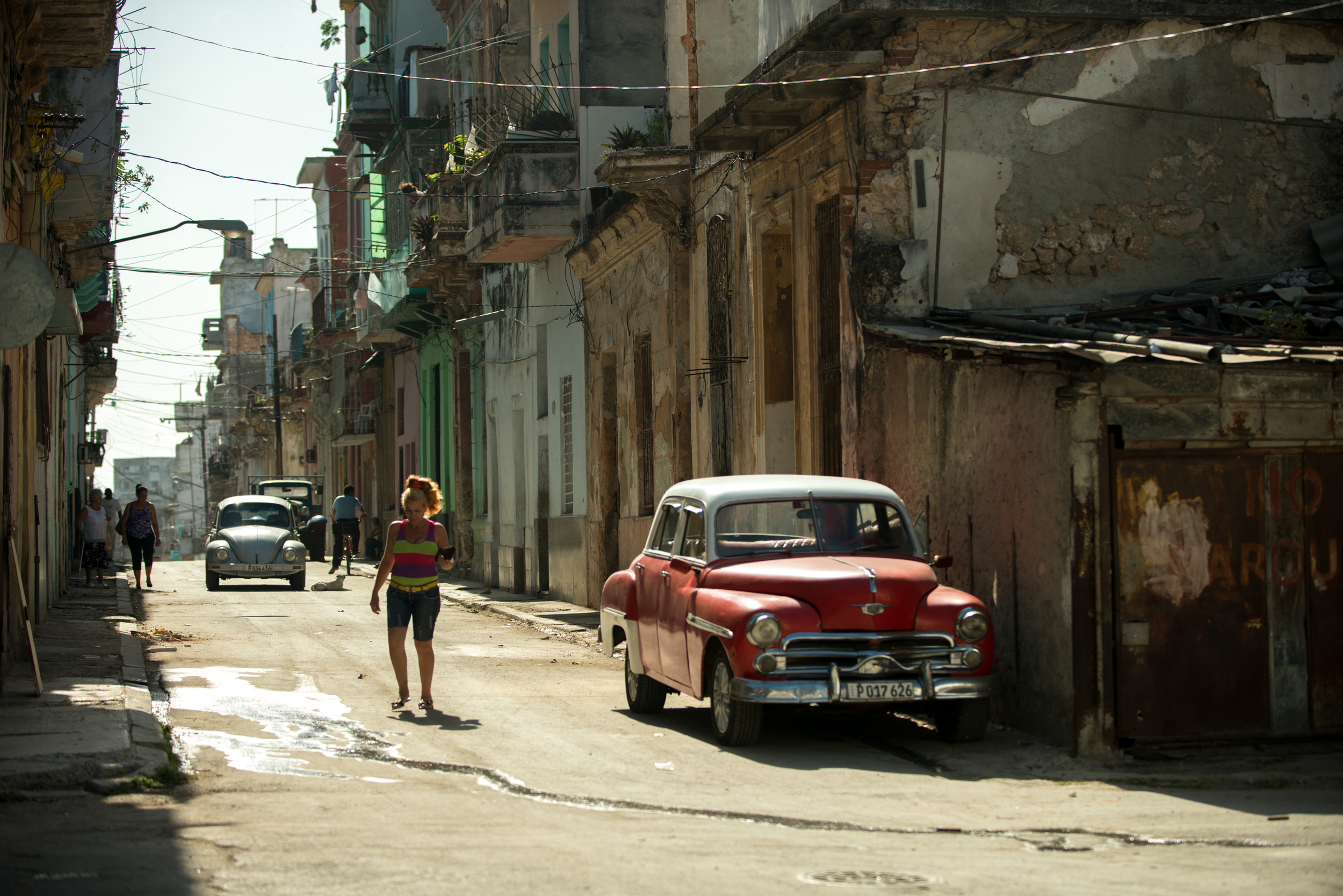 Old american cars are really all over the city of Havana. While the ones in the nicest condition give tourists tours, many others are still used as daily transportation.