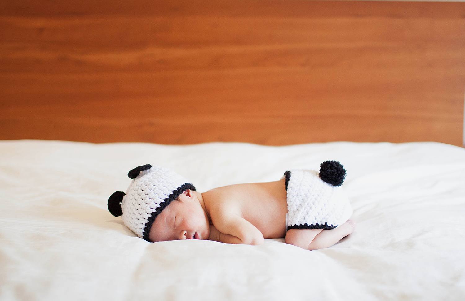rachel withers photography   documentary newborn photo session   Scarsdale, NY