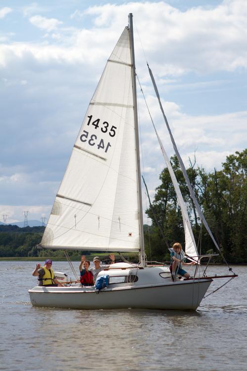 kids sail.jpg