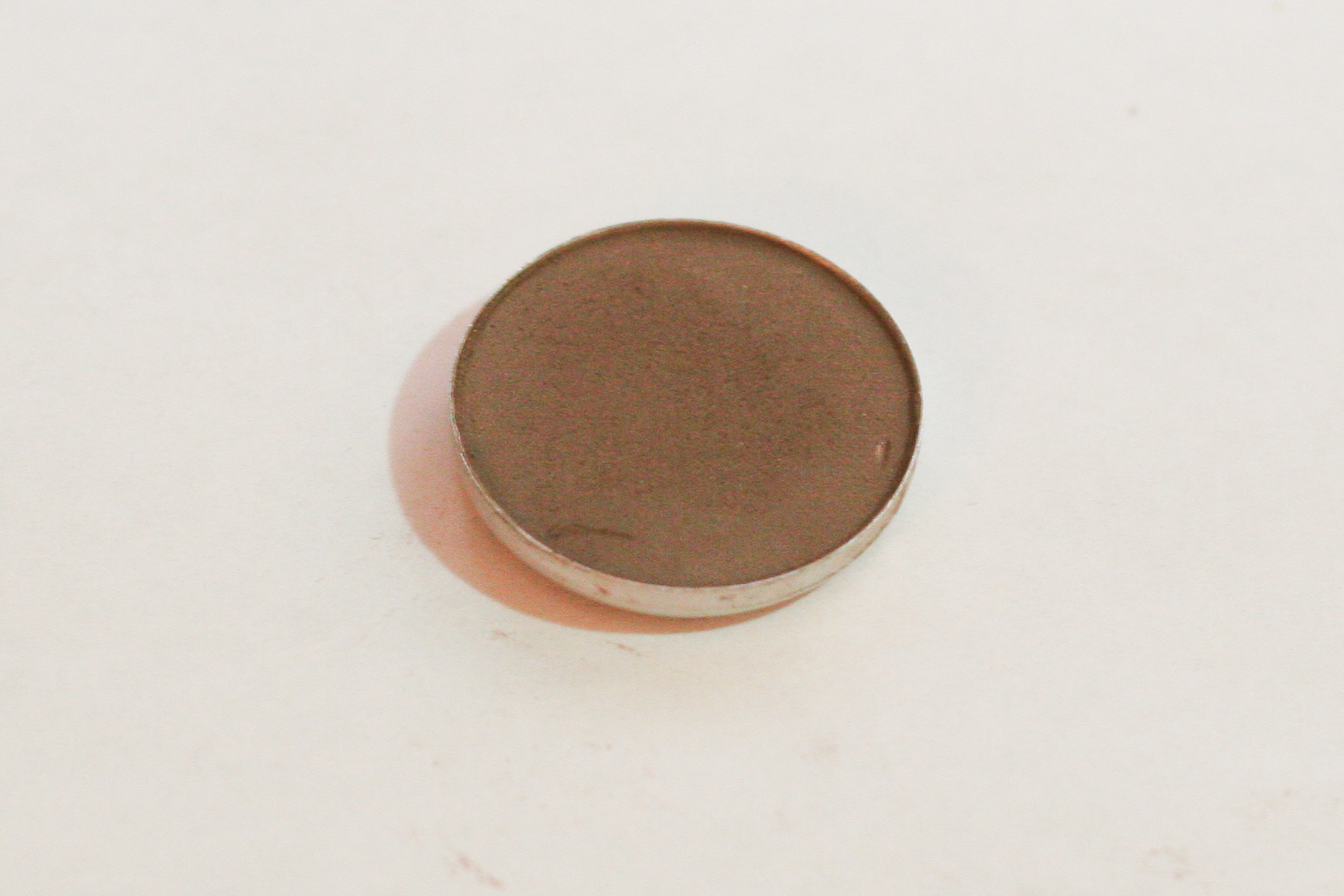 MAC eyeshadow in Concrete (matte).