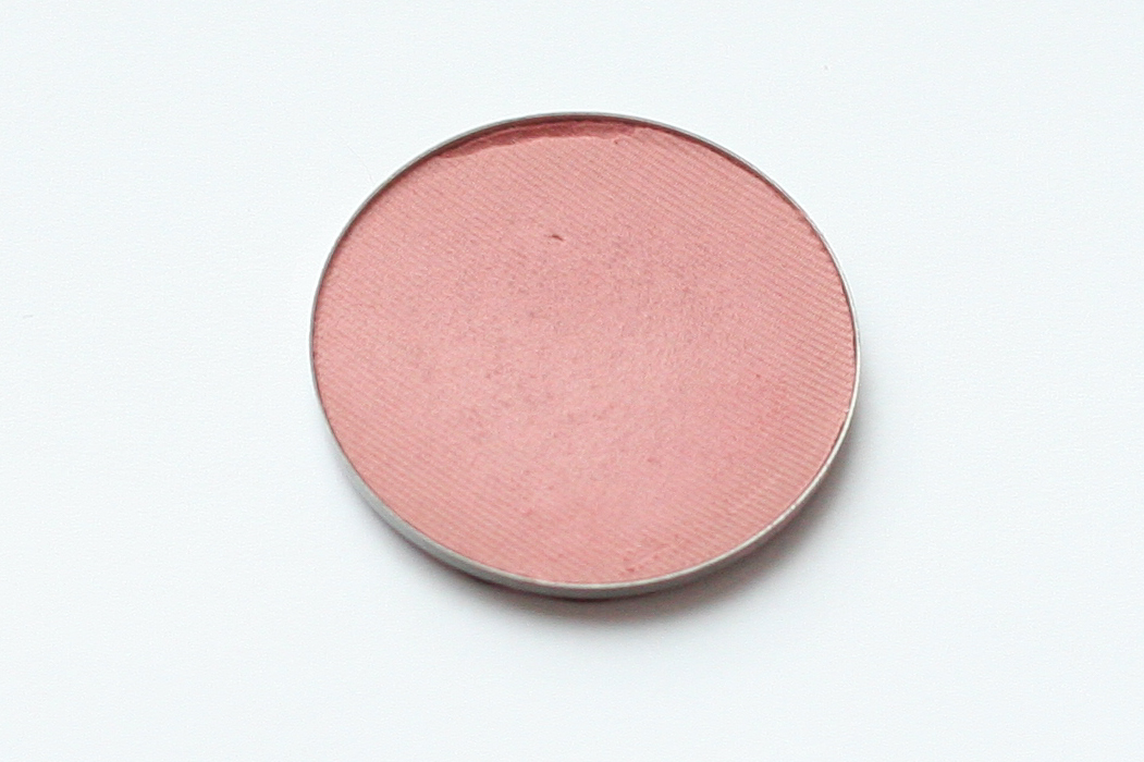 Clinique Soft-Pressed Powder Blusher in New Clover. Note that this is a de-potted sample.