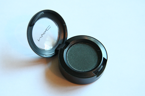 MAC Eyeshadow in Eat, Love from the Indulge Collection.