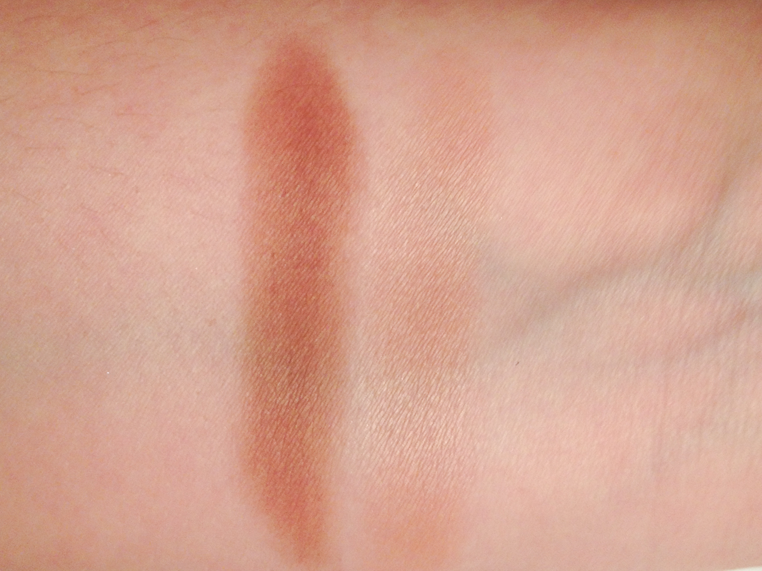 Clinique All About Shadow Duo in Day into Date.