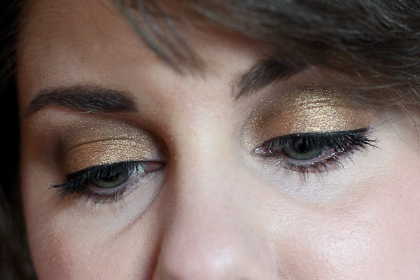 An EOTD with Bobbi Brown's Sand Palette.