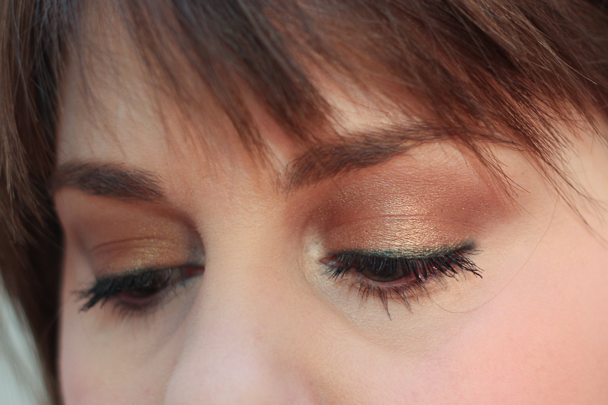Make Up For Ever Artist Liner in I-34 applied under MAC Woodwinked eyeshadow.