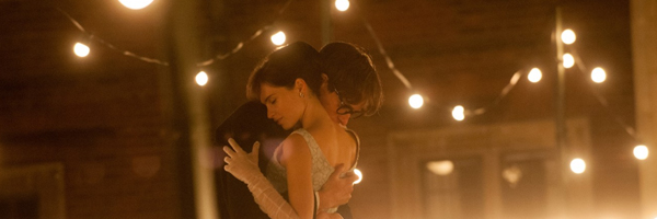 Eddie Redmayne and Felicity Jones in a scene from James Marsh's The Theory of Everything {Photo: FOCUS FEATURES}