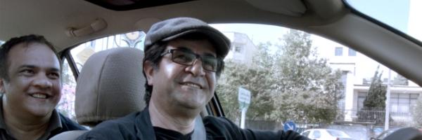 Jafar Panahi in a scene from  Taxi  {Photo: KINO LORBER}