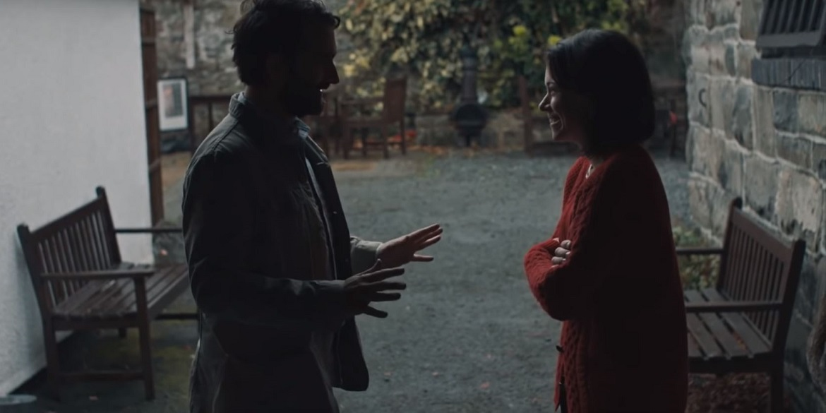 Jay Duplass and Tatiana Maslany in a scene from Tom Cullen's  Pink Wall  {Photo: THE ORCHARD}