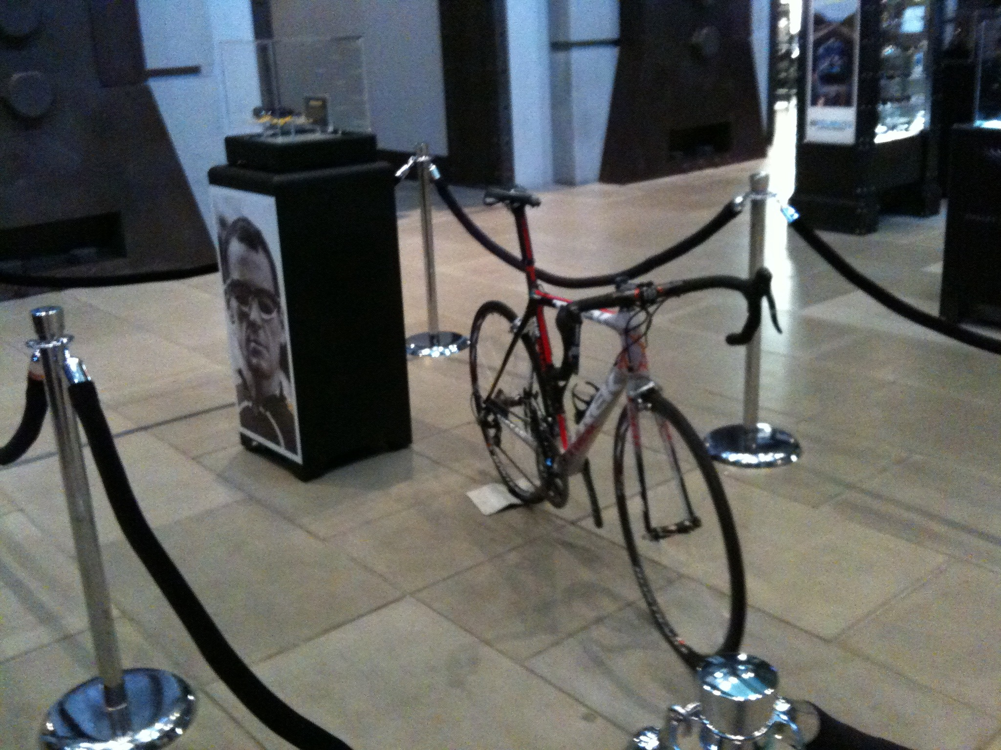 Bike and sunglasses from @lancearmstrong in the @oakley HQ lobby