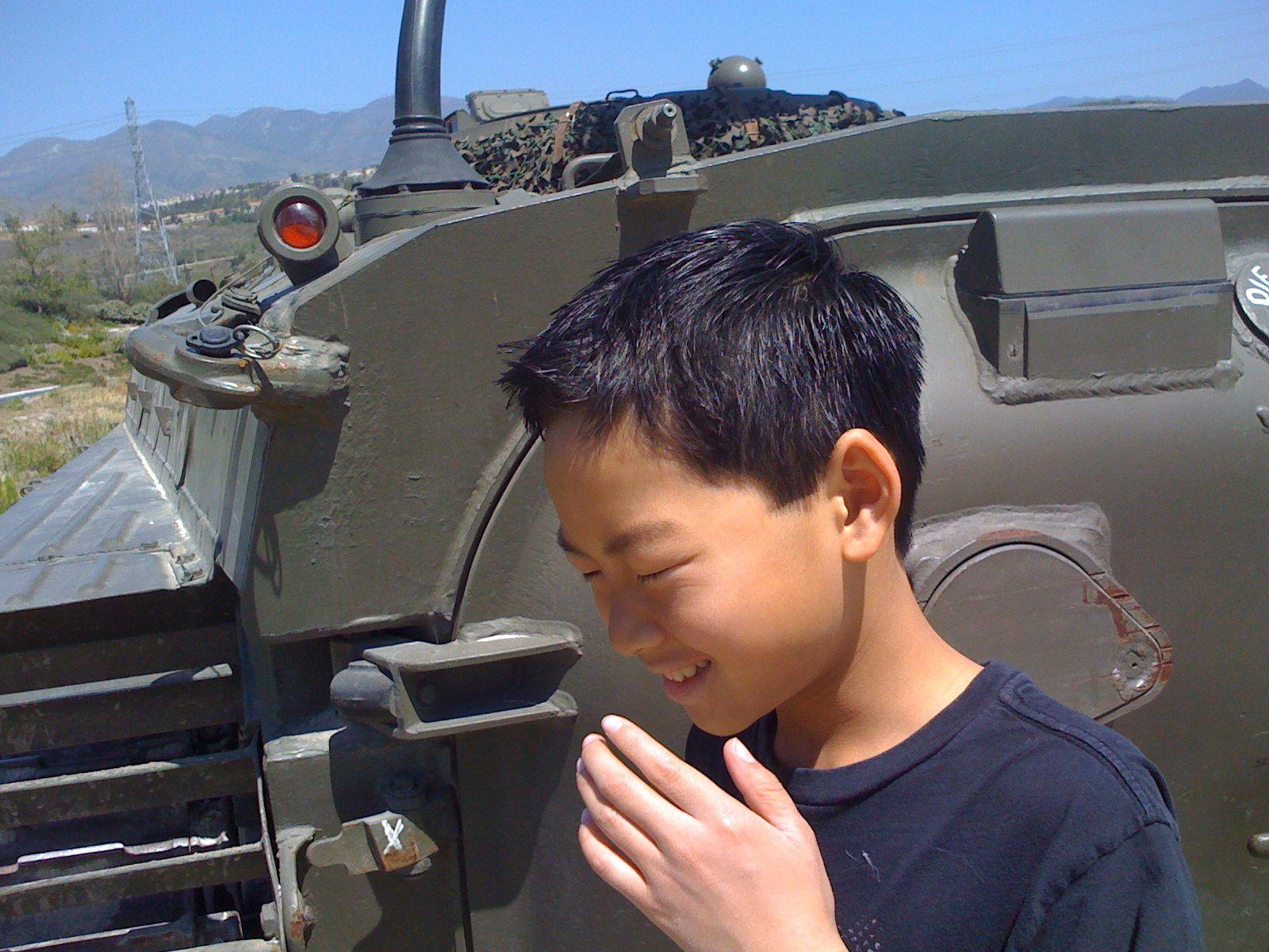 Boy meets Tank
