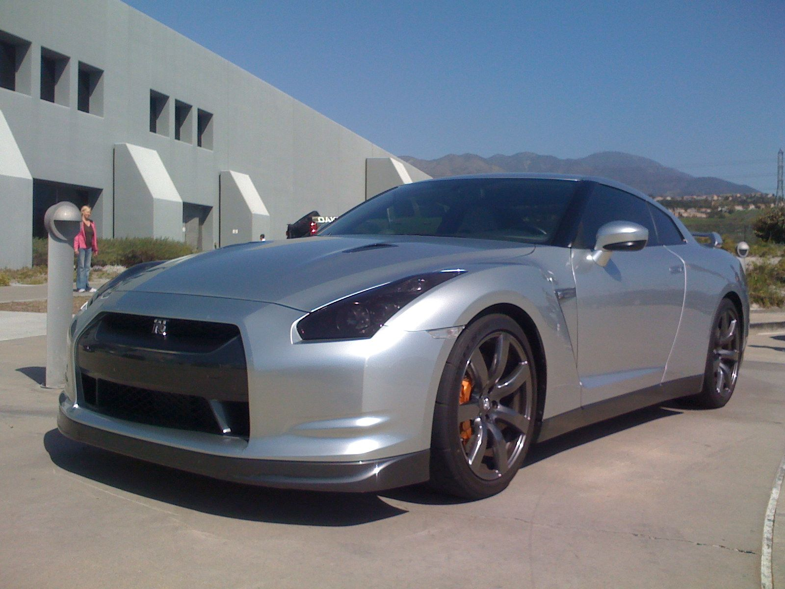 More photos of the GT-R in front of our building