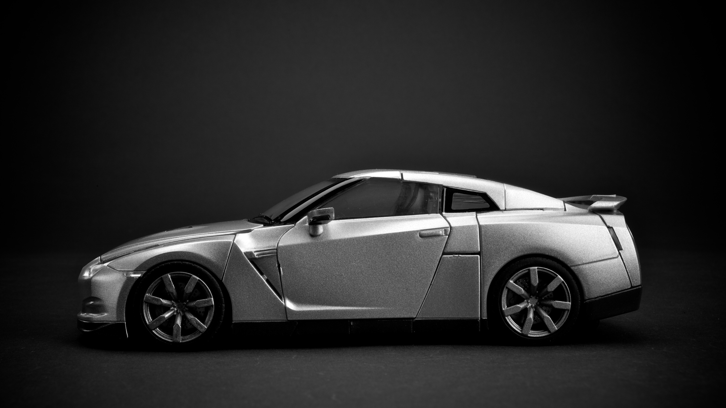 GTR-Optimus-Silver3.jpg