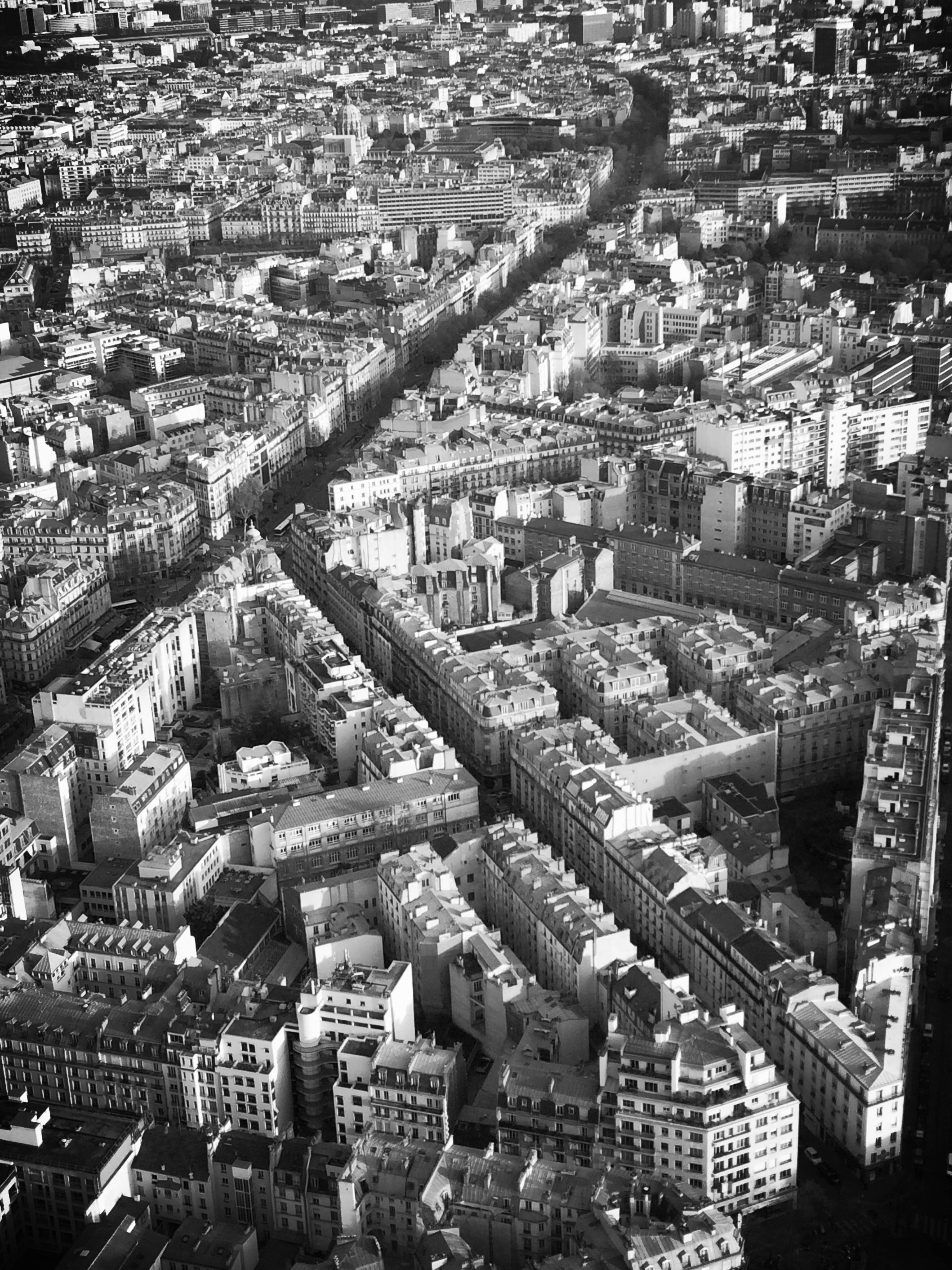 A Montparnasse, ça sourit à nouveau, vu d'en-haut