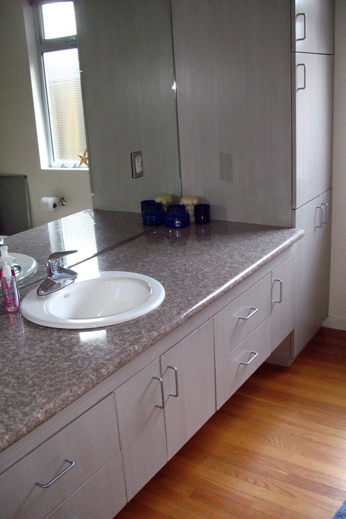 cabinet-strie-bath.jpg