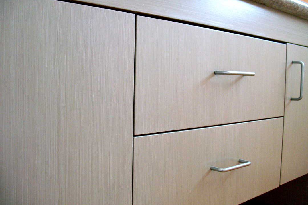 MODERN AND CLEAN STRIE FINISH