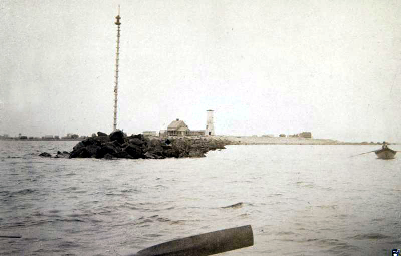 The North Jetty Spindle Light