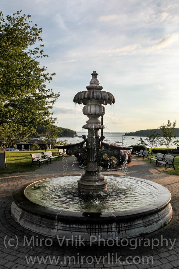 Fountain in little park.