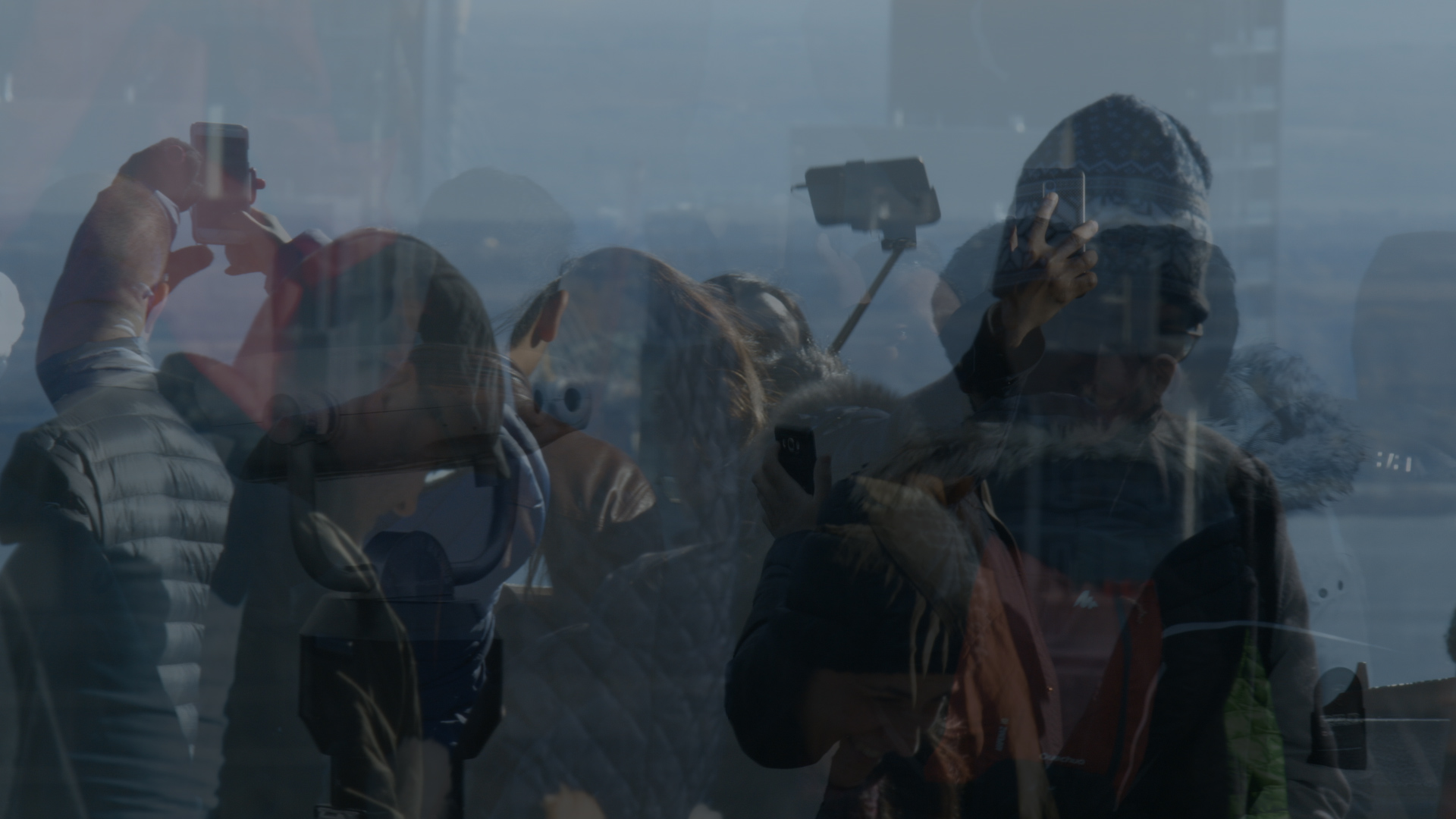 La Montagne  2019 | HD | Color | Stereo | 11min  Repeated gesture of panoramic representation becomes abstraction. This film takes place on the Kondiaronk Belvedere where people come to see the Montreal skyline and its surrounding landscape.  2019 Festival du Nouveau Cinéma (Canada) — October 9-20
