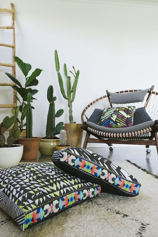 the former australian company, neon vintage also made some  amazing cushions  based on NY12#04.